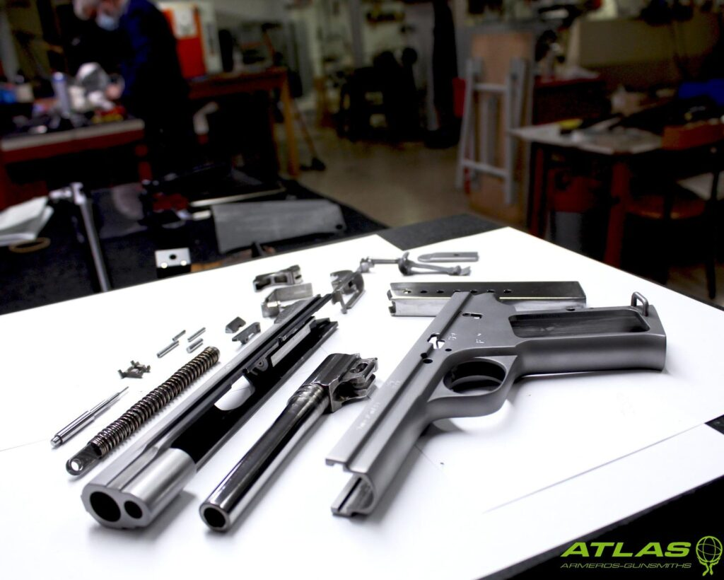 Restauración de un pistola Sig P210 M49